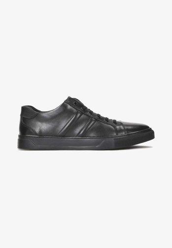 AJAKS - Sneakers - black