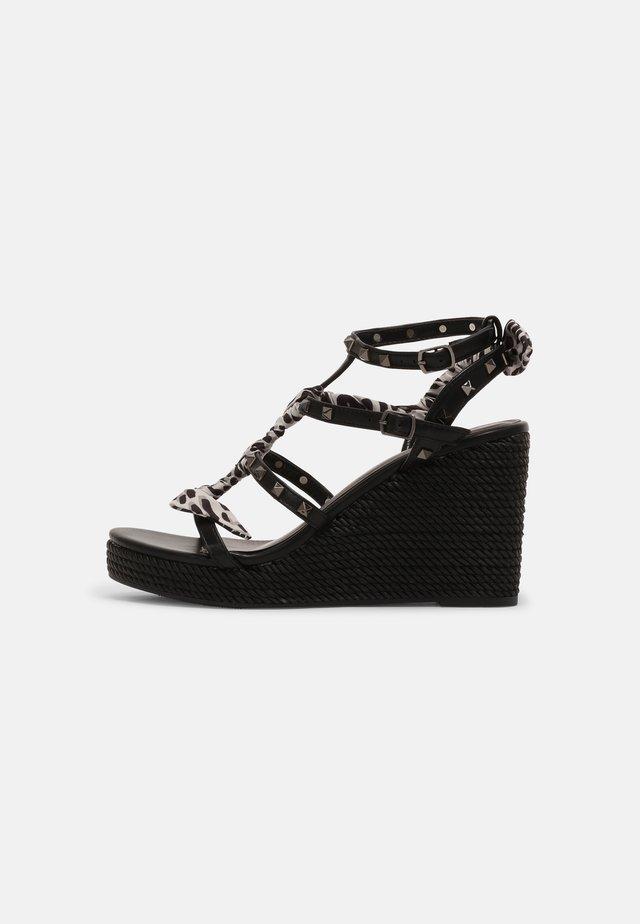 Sandály na platformě - soft nero