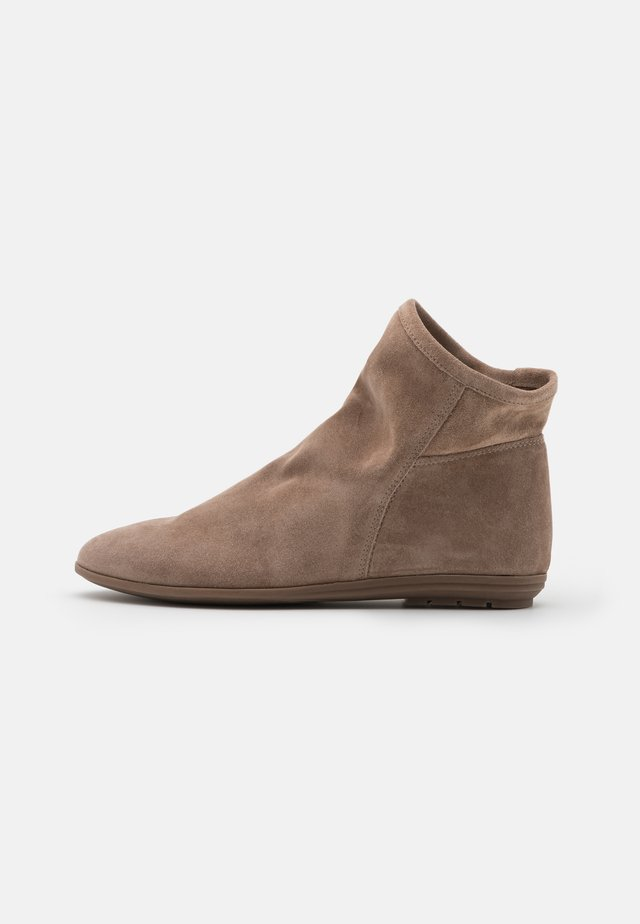 Classic ankle boots - corda