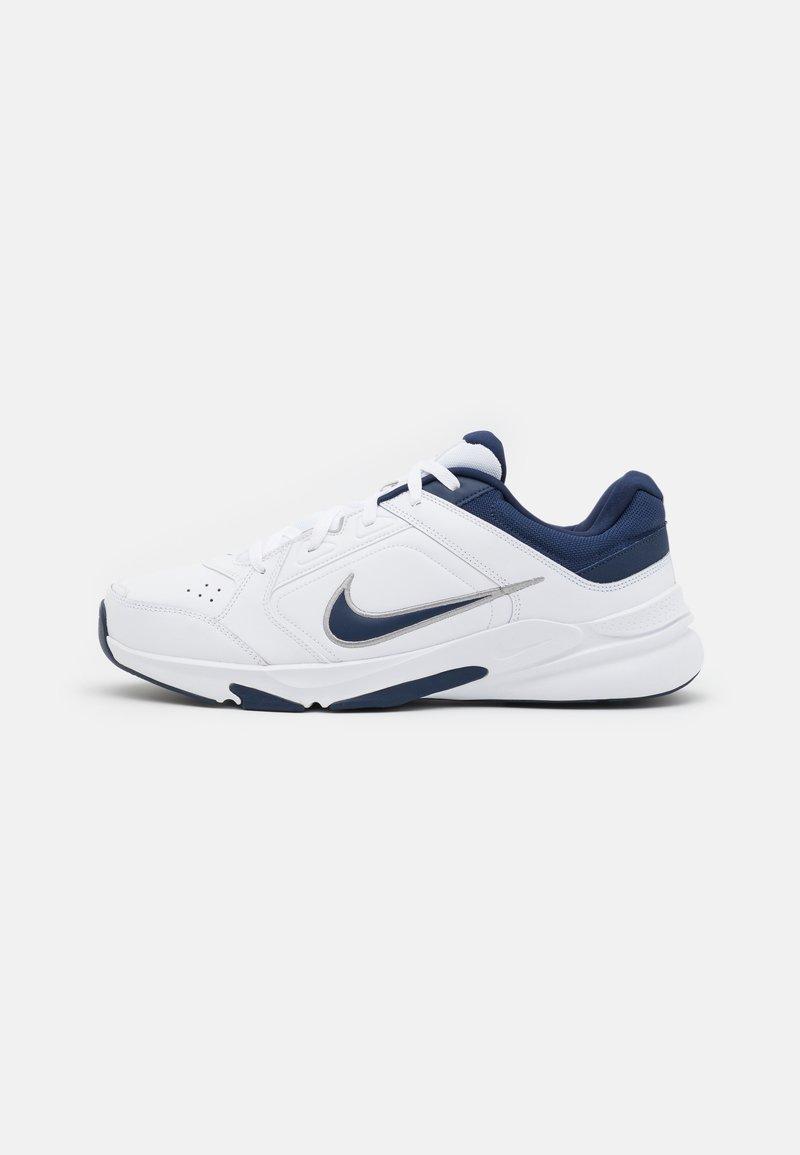 Nike Performance - DEFYALLDAY UNISEX - Sportschoenen - white/midnight navy/metallic silver