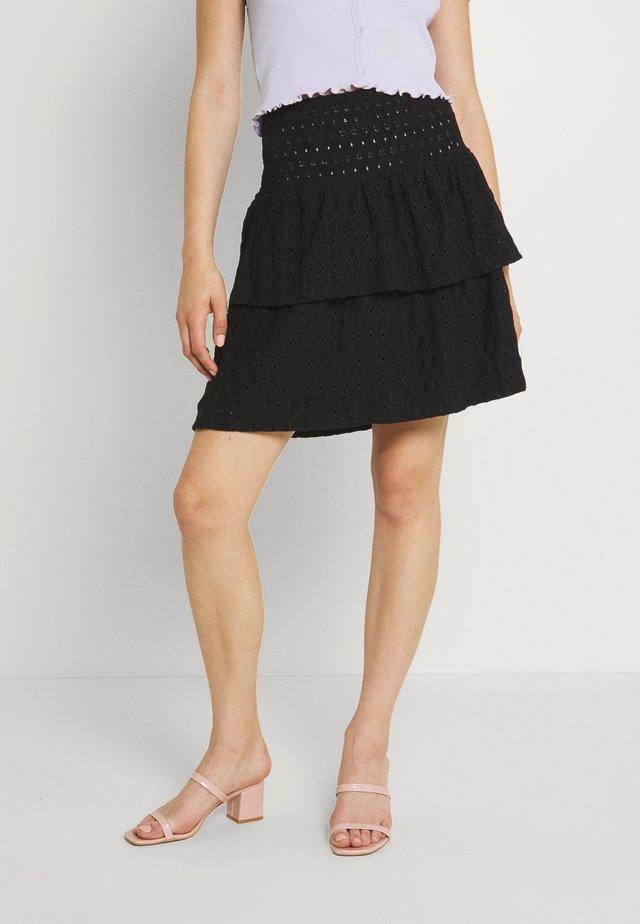 PCCHRISTY SMOCK SKIRT - Mini skirt - black