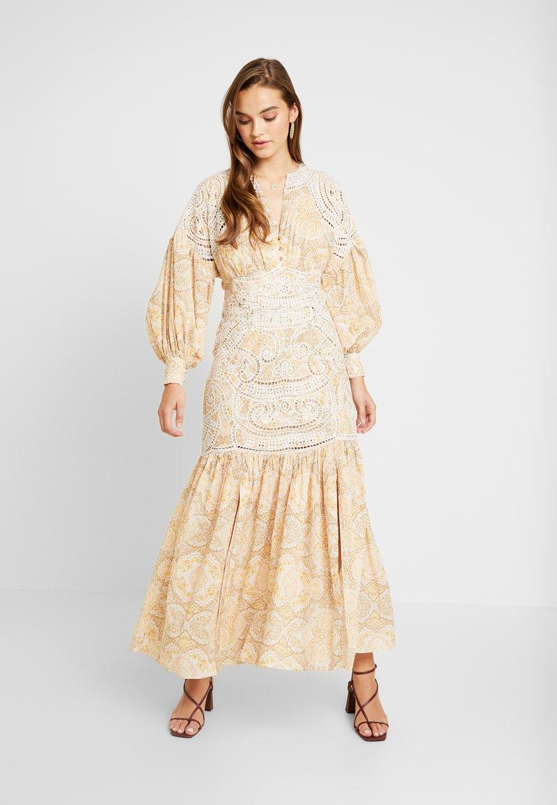 Thurley - MUSE DRESS - Długa sukienka - gold raid tile