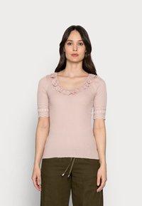 Rosemunde - Print T-shirt - vintage powder - 0