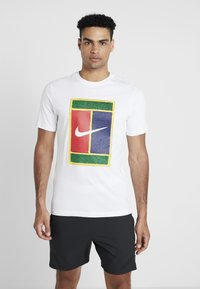 Nike Performance - TEE COURT - T-shirt med print - white - 0