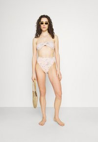Billabong - LIKE A BEACH BANDEAU - Bikini top - peony - 1