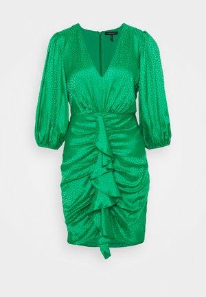 EVE  - Koktejlové šaty/ šaty na párty - bright green