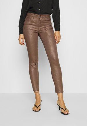 VISHINNY EKKO - Jeans Skinny Fit - rawhide