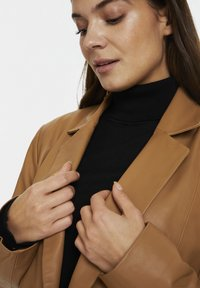 Karen by Simonsen - Leather jacket - tobacco brown - 3