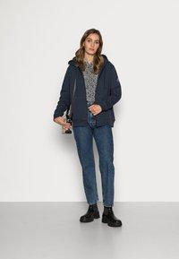 Ecoalf - BASICALF WOMAN HOODIE - Sweater met rits - vintage navy - 1