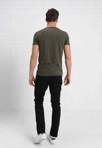 TOM TAILOR DENIM - STRIPED PANELPRINT - T-shirt imprimé - woodland green - 2