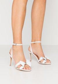 L37 - SUMMER WINE - Højhælede sandaletter / Højhælede sandaler - white - 0