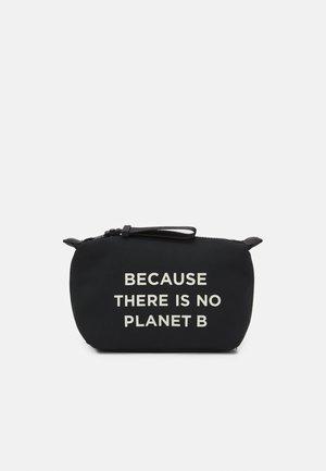 VANITY CASE MESSAGE - Kosmetická taška - black