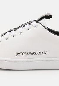 Emporio Armani - Tenisky - white/black - 6