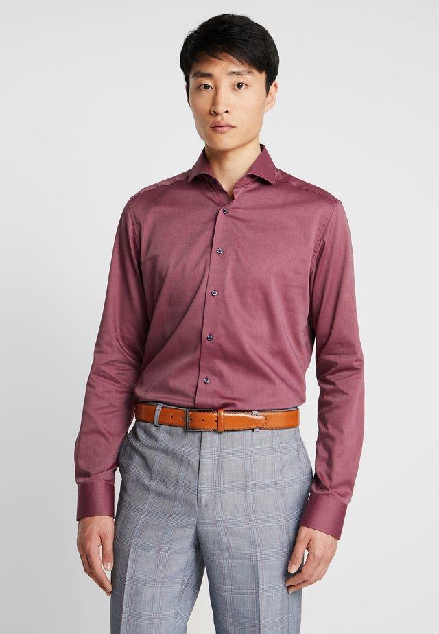 SLIM FIT - Formal shirt - bordeaux