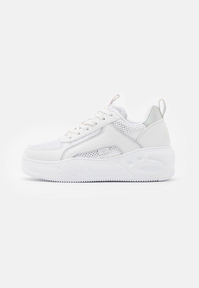 VEGAN FLAT SMPL 2.0 - Sneakersy niskie - white/silver
