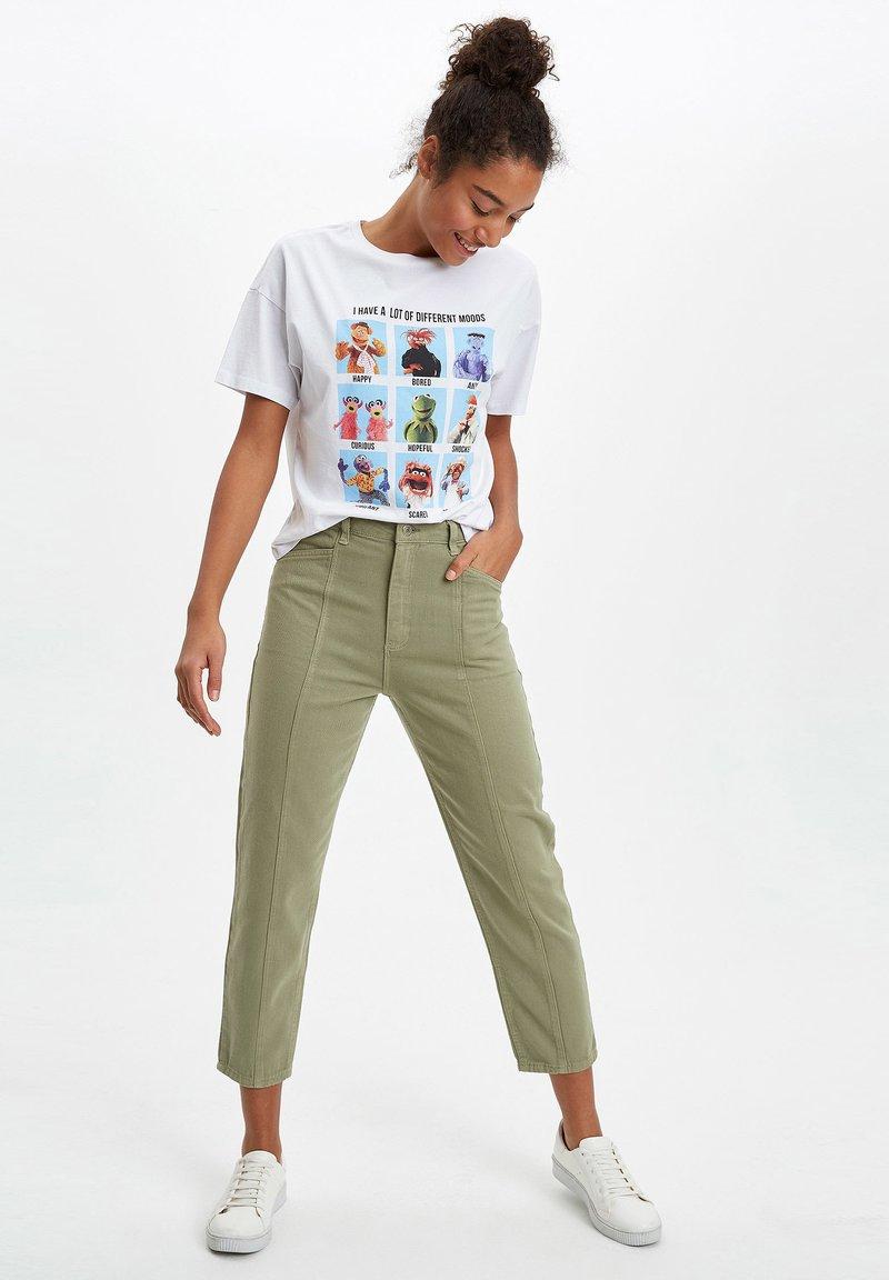 DeFacto - Trousers - khaki