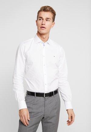CLASSIC SLIM  - Koszula biznesowa - white