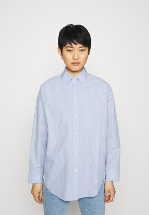 BOYFRIEND - Button-down blouse - light blue/white