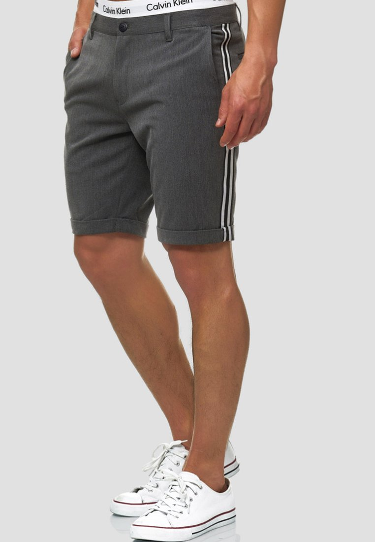 INDICODE JEANS - Shorts - charcoal