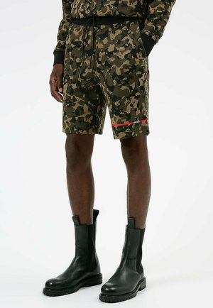 CAMO - Shorts - dark green