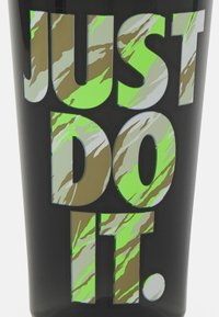 Nike Performance - NIKE TR HYPERCHARGE CHUG BOTTLE 16 OZ/473ML - Bidon - black/lime glow - 3