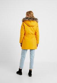 ONLY Petite - ONLIRIS - Parka - golden yellow - 2