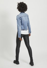 Vila - VISHOW - Jeansjakke - medium blue denim - 1