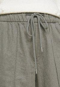GAP Petite - WARM DRAWSTRING - Tracksuit bottoms - grey heather - 4