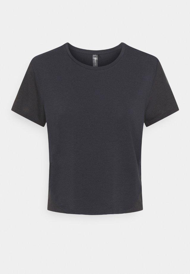 ONPMAIDA CROPPED TOP - T-shirt - bas - blue graphite