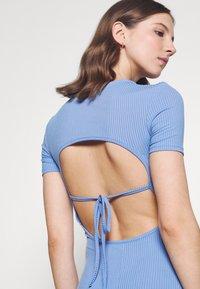 4th & Reckless - LUNA DRESS - Pletené šaty - blue - 4