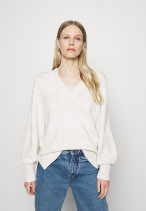 CROSSOVER V NECK - Strikkegenser - marshmallow