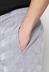 Topman - CHECK JOGGER - Pantaloni sportivi - grey - 3