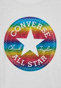 Converse - CHUCK PATCH  - Print T-shirt - white - 2