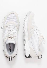 Columbia - IVO TRAIL BREEZE - Hiking shoes - white/ice grey - 1