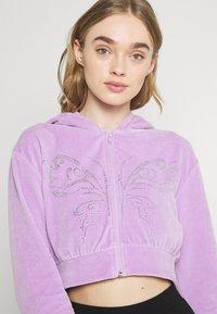 NEW girl ORDER - DIAMANTE BUTTERFLY HOODIE - Zip-up sweatshirt - lilac - 2