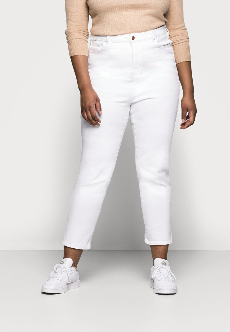 New Look Curves - CAMBODIA - Straight leg jeans - white