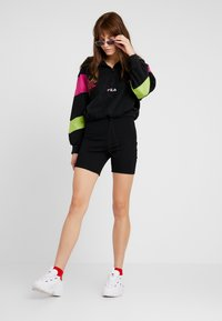 Fila - RAFIYA HALF ZIP - Bluza z polaru - black/pink yarrow/acid lime - 1