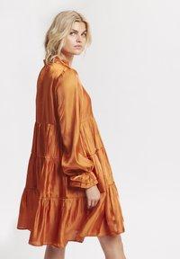 Karen by Simonsen - PANGKB  - Vestido informal - orange rust - 2