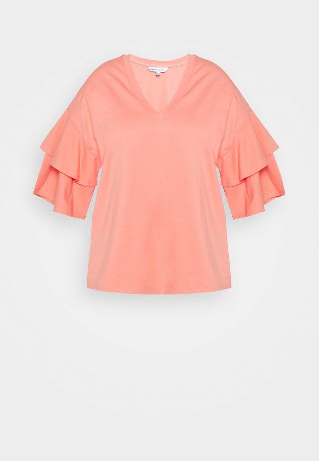 DROP SHOULDER - T-shirt imprimé - coral