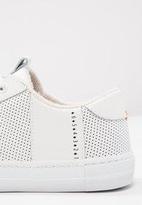 HUB - HOOK - Sneakers laag - white - 6
