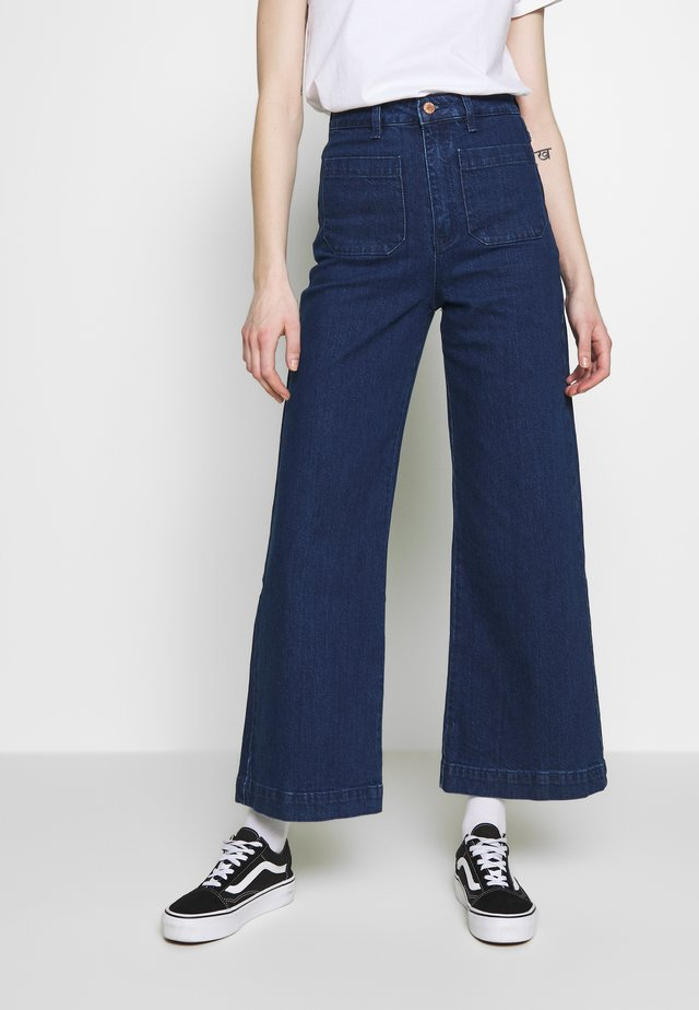 SAILOR  - Jeans a zampa - eco april blue