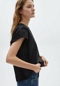 Massimo Dutti - Print T-shirt - black - 2