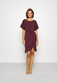 Vero Moda - VMPOPPY TIE SHORT DRESS - Shift dress - fig - 0