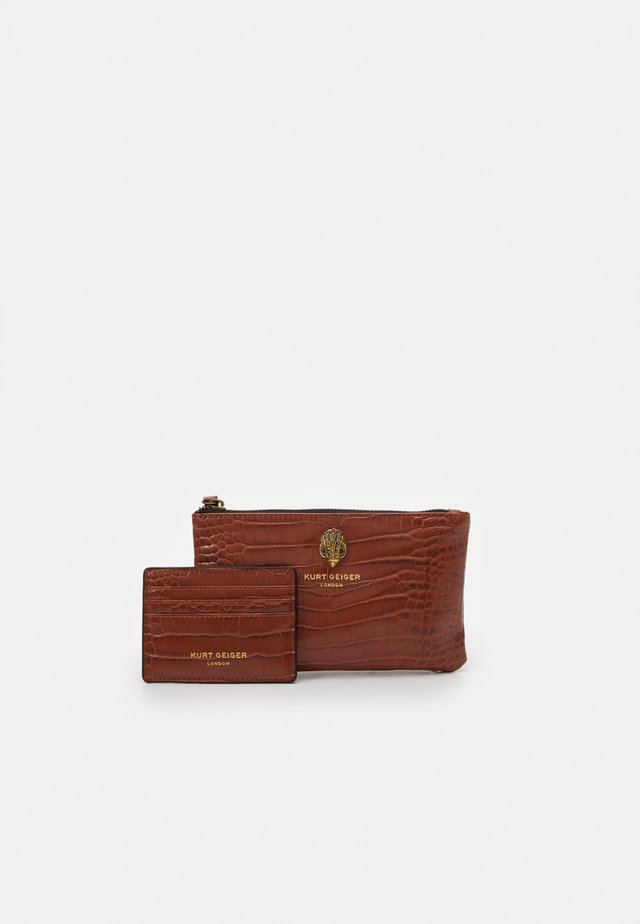 POUCH GIFT SET - Portemonnee - brown