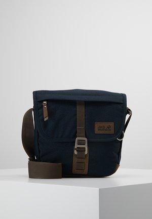 WARWICK AVE 3L - Across body bag - night blue