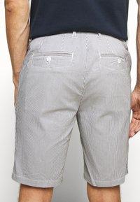 Casual Friday - SHORTS CFPERSEY STRIPE - Shorts - ecru - 3