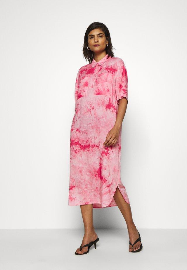 BRIEE DRESS - Day dress - pink