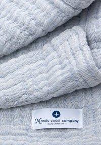 Nordic coast company - 4-IN-1 - Muslin blanket - blue - 2