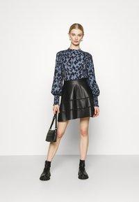 ONLY - ONLKATIE SKATER SKIRT - Mini skirt - black - 1