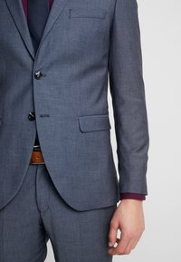 Selected Homme - SLHSLIM MYLOBILL LT SUIT - Kostym - light blue - 8